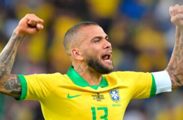 """Brazil coach believes """"Alves"""" to go to the World Cup in Qatar"""